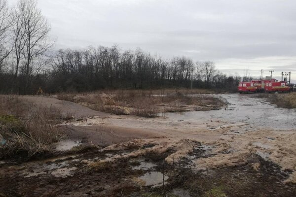 An ecological disaster occurs in Čabradský Vrbovok, near Krupina, on February 6, 2020.