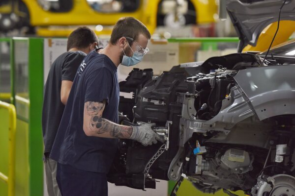 Slovakia's foreign trade ended in surplus in July, also thanks to higher car exports, the Statistics Office has said.