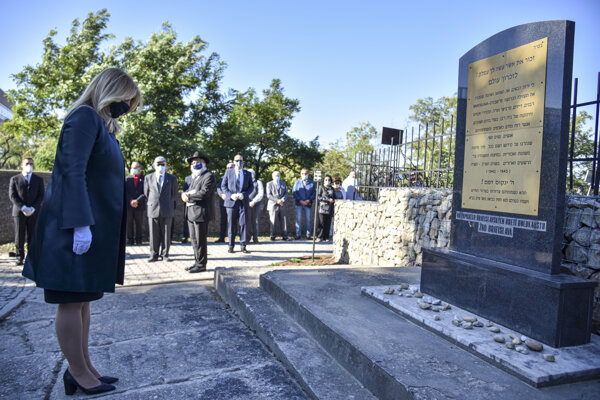 President Zuzana Čaputová paid tribute to the Holocaust victims on September 9, 2020.
