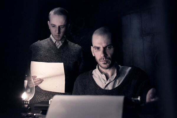 Peter Ondrejička and Noël Czuczor as Rudolf Vrba and Alfréd Wetzler in the Správa (The Report) film.