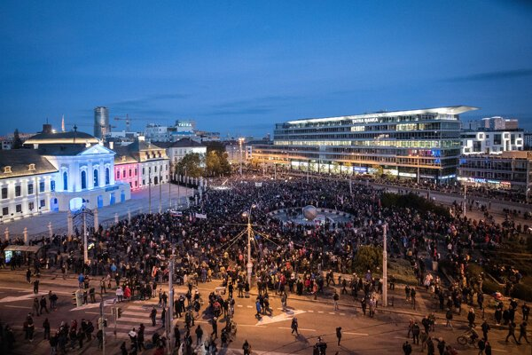 An unathorised protest took place in Bratislava on November 17.
