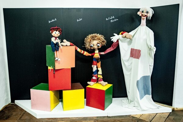 Drobček (left), Kuko (centre), and Raťafák Plachta (right) belong to some of the most popular Slovak TV puppets of the old days.