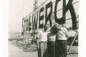 A photo of father of Monika Sweighofer with his colleagues on the roof of the chocolate company Stollwerck (later Figaro).