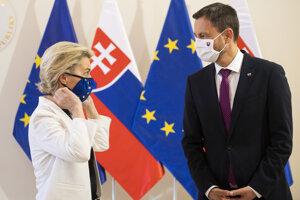 EC President Ursula von der Leyen and Slovak PM Eduard Heger at the Government's Office.