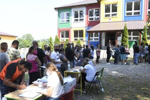 The vaccination at the premises of a primary school in Kecerovce.