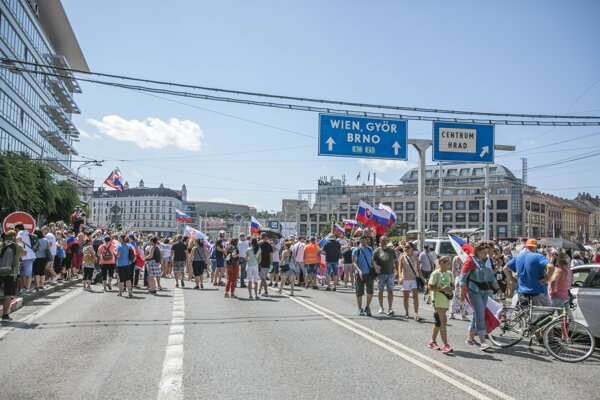 Protesters blocked the roads near Hodžovo Square on July 29, 2021.