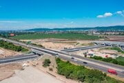 Not all stretches of the long-awaited D4/R7 bypass of Bratislava will open as originally planned.
