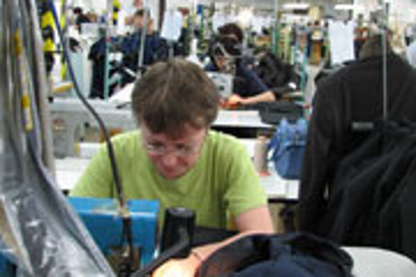 Clothing companies want to attract Ukrainian tailors.