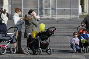 Single-parent families, children under 15 and the unemployed remain most vulnerable to poverty.
