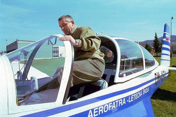 Ján Slota takes to the skies.