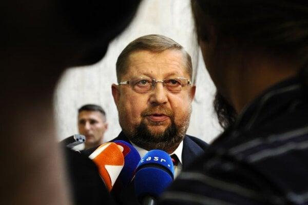 Štefan Harabin will bid for election as Supreme Court head on June 22.