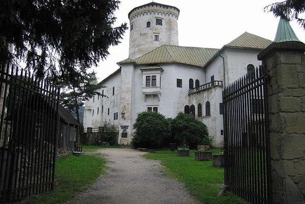 Budatín Castle will display modern art starting April 16.