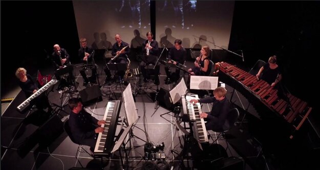 Cluster Ensemble play Philipp Glass' Changing Parts (in Košice)