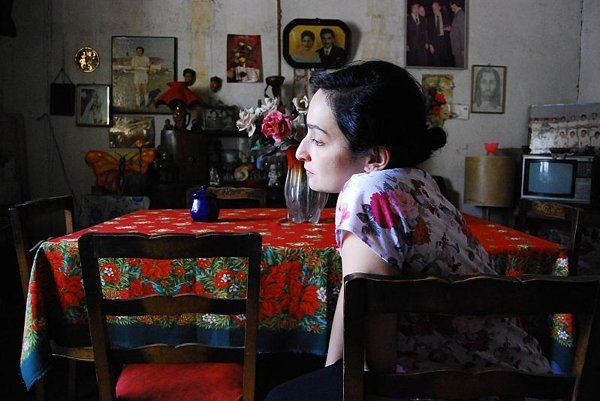 Niles Attalah's movie Lucía intimately observes the daily life of a father and daughter in Chile.