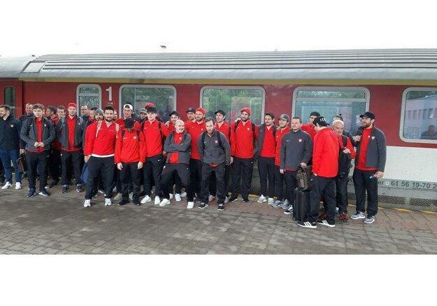Hokejisti Švajčiarska cestujú na štvrťfinálový zápas do Košíc