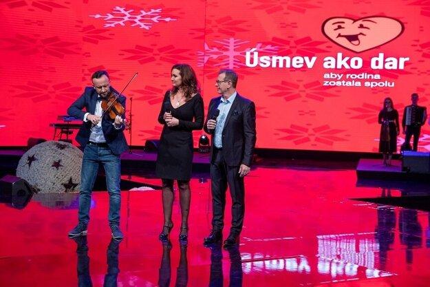 Ondrej Kandráč otváral tohtoročný koncert Úsmev ako dar.