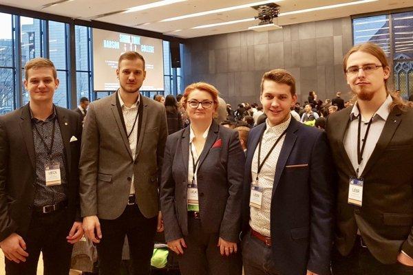 Úspech študentov NHF na svetovej súťaži RITC 2018