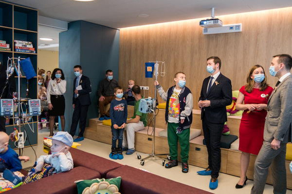 Nová moderná multifunkčná herňa je u pacientov detskej onkológie obľúbená a využívaná na viaceré aktivity.