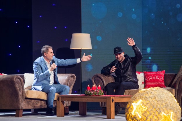 V rámci koncertu vyspovedal moderátor Peter Marcin aj Lukáša Adamca.
