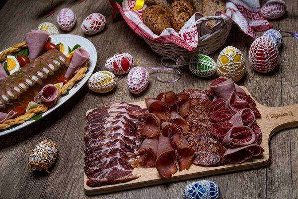Bohatú veľkonočnú hostinu si každoročne dopraje takmer 70% Slovákov.
