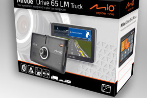 Autokamera a navigácie v jednom - Mio MiVue Drive 65 LM!