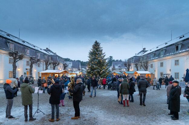 Zámok Halbturn (c) Burgenland Tourismus Birgit Machtinger