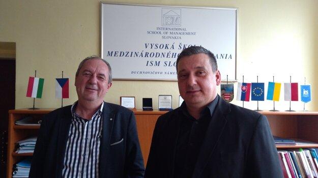 Jozef Polačko (vľavo), kancelár VŠMP ISM Slovakia arektor Marek Storoška.