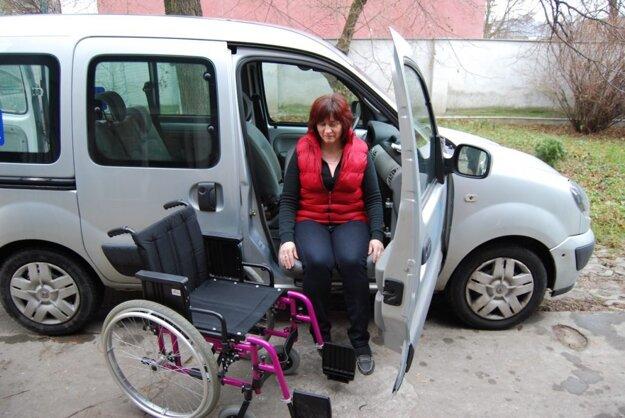 Otočné sedadlo do automobilu