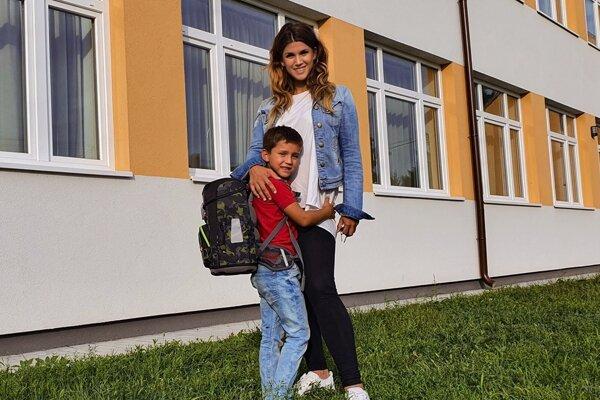 Mária Smejová nakupuje školské tašky v PLANEO Elektro