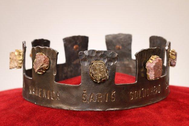 Hlavnou cenou Prešovského hradného maratónu je je koruna vykladaná kameňmi z hradov v kraji.