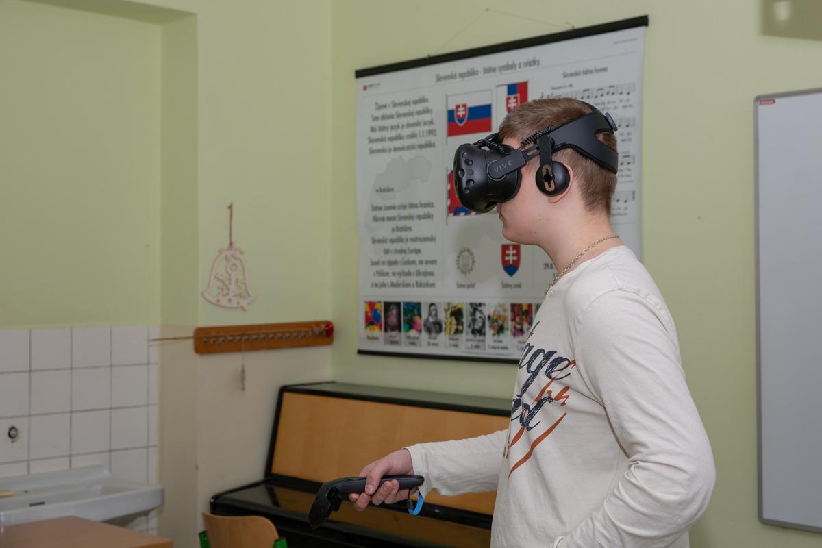 576f39991 Na slovenské školy zavítala virtuálna realita - tlacovespravy.sme.sk