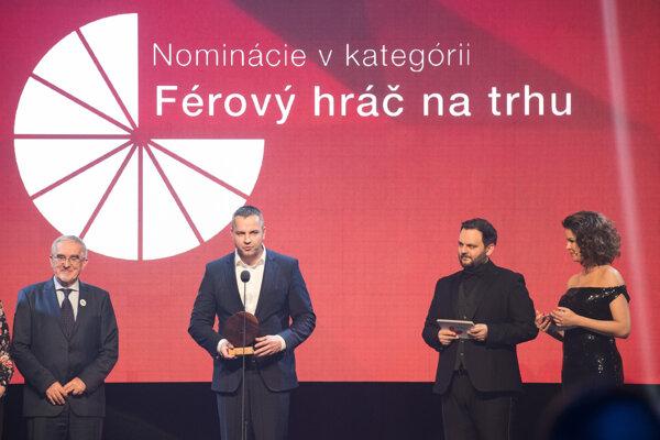 """O2 získalo v roku 2018 ocenenie Via Bona Slovakia v kategórii Férový hráč na trhu za """"odvahu otvárať citlivé spoločenské témy"""""""