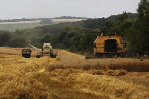 Spoločnosť SANAGRO, ako aj ďalší farmári upozorňujú, že je nutné pustiť bez problémov na naše územie kombajnistov z okolitých krajín.