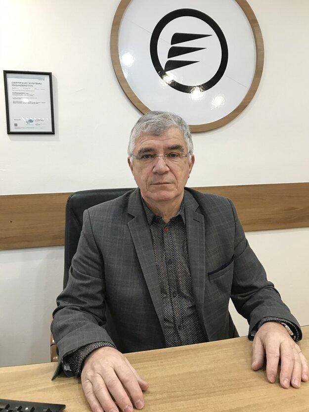 Riaditeľ Tatravagónky v Trebišove Ing. Jozef Ondruš patrí k dlhoročným zamestnancom, vo firme je 39 rokov.