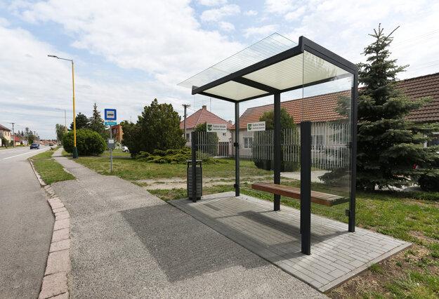 Šaštín autobusová zastávka. Foto: Coop Jednota