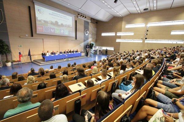 Slávnostné otvorenie akademického roka 2018/2019 na EU v Bratislave