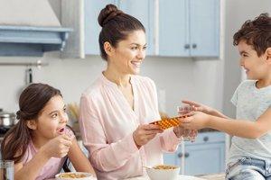 Nadmerné užívanie vitamínov môže spôsobiť problém, ak sa stretnú s liekmi na predpis.