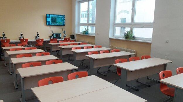 Na Fakulte materiálov, metalurgie a recyklácie Technickej univerzity v Košiciach majú študenti k dispozícii moderné učebne.