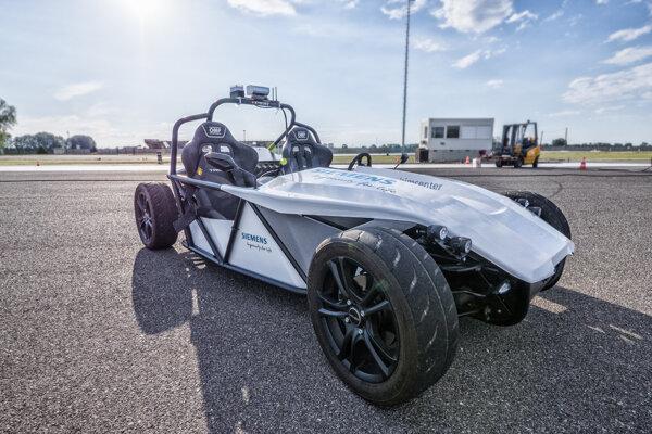 Elektrický roadster SIMROD s autonómnym riadením