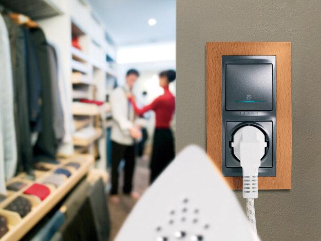 Rozmiestnenie elektrických zásuviek a vypínačov svietidiel si vopred rozvážte a naplánujte.