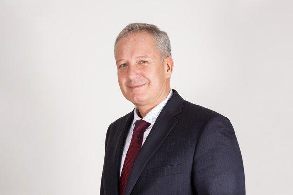 Generálny riaditeľ  KOOPERATIVA Vladimír Bakeš