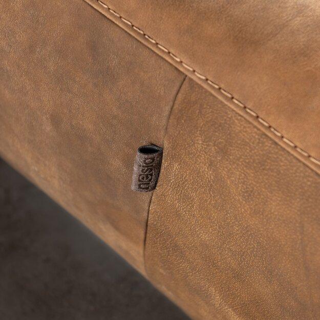 O vysokej kvalite našich čalúnených nábytkov svedčia detaily s precíznym šitím a obrovský výber ľahkočistiteľných kožených aj látkových poťahov.