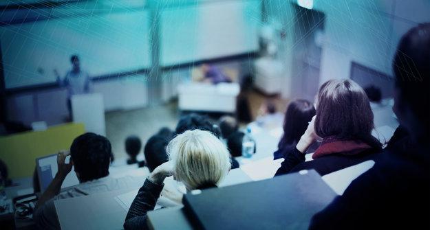 V rámci podpory slovenského  školstva daroval Siemens  Žilinskej univerzite priemyselný  softvér v hodnote 1,3 mil. eur