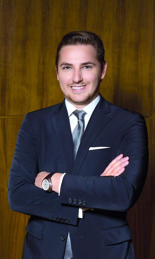 Lukáš Michálik, partner advokátskej kancelárie Hamala Kluch Víglaský. Zameriava sa na korporátne právo, fúzie a akvizície a na oblasť bankovníctva a financií.