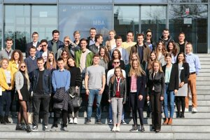 Projekt Central Europe Connect spojil študentov ekonomických univerzít z troch štátov