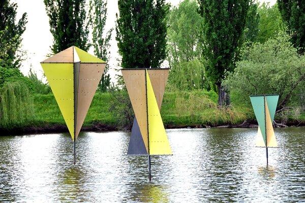 Land artové dielo študentov Fakulty záhradníctva a krajinného inžinierstva SPU v Nitre na jazere Hangócka