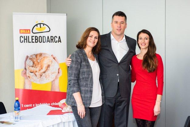 Tomáš Staňo s Tatianou Lopúchovou a Dominikou Horňákovou