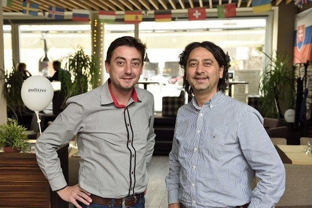Andrej Gogola (autor článku) a Eduard Šiska, spolumajitelia siete reštaurácií Pulitzer