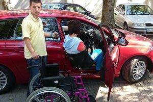 Presadacie zariadenie pre vozičkárov