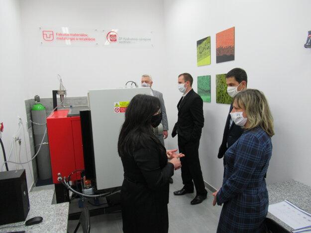 Jedinečné pecné zariadenie na Slovensku na testovanie energetických ocelí
